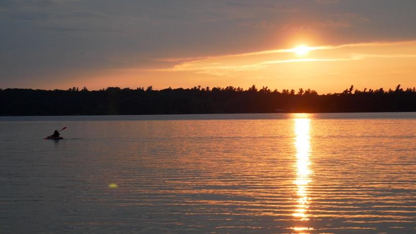 Wellesley SP Beach Sundown with Kayacker